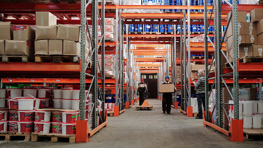 What to Know About Working in a Warehouse